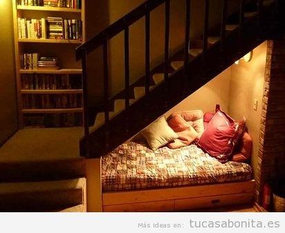 5 ideas para aprovechar el hueco de la escalera tu casa for Cama bajo escalera