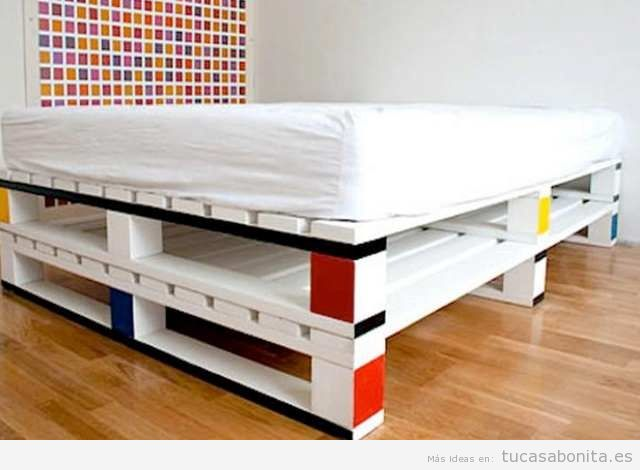 10 camas de matrimonio hechas con palets tu casa bonita for Como hacer un piso con palets