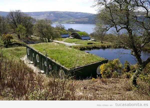 Casas hechas con contenedores marítimos y tejados jardín 2