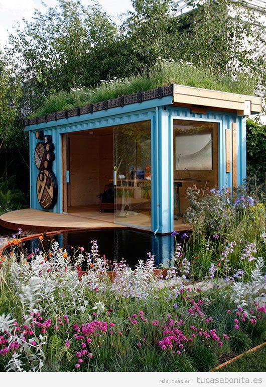 Casas hechas con contenedores marítimos y tejados jardín 5