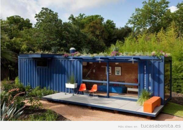 Casas hechas con contenedores marítimos y tejados jardín 7
