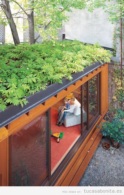Casas hechas con contenedores marítimos y tejados jardín 9