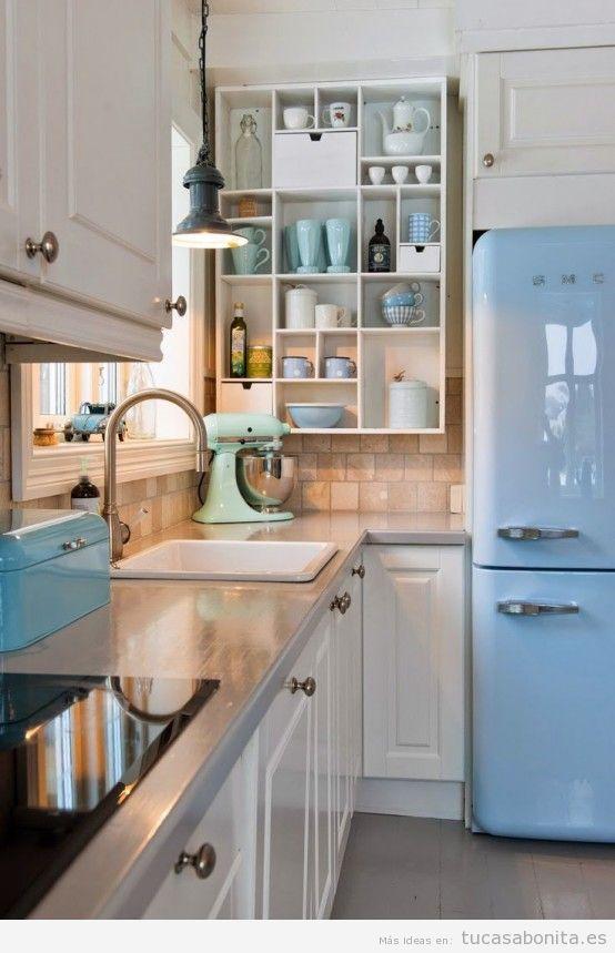 Decorar casa con objetos color de moda azul serenidad