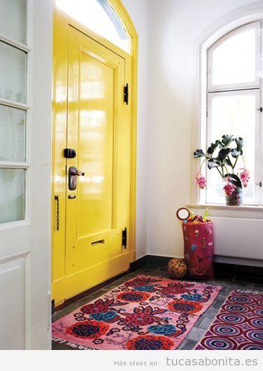 Decoración de casa en tonos amarillos para verano, puerta