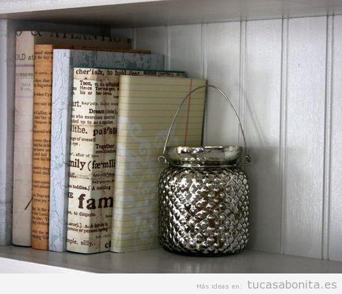 libros forrados de tela para decorar estantería