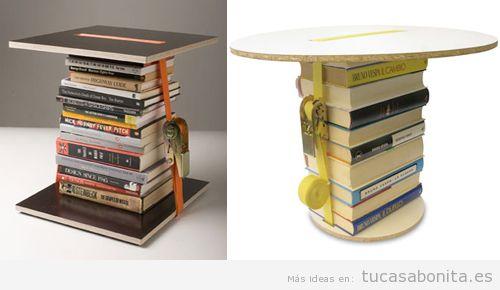 Mesa hecha con libros y madera
