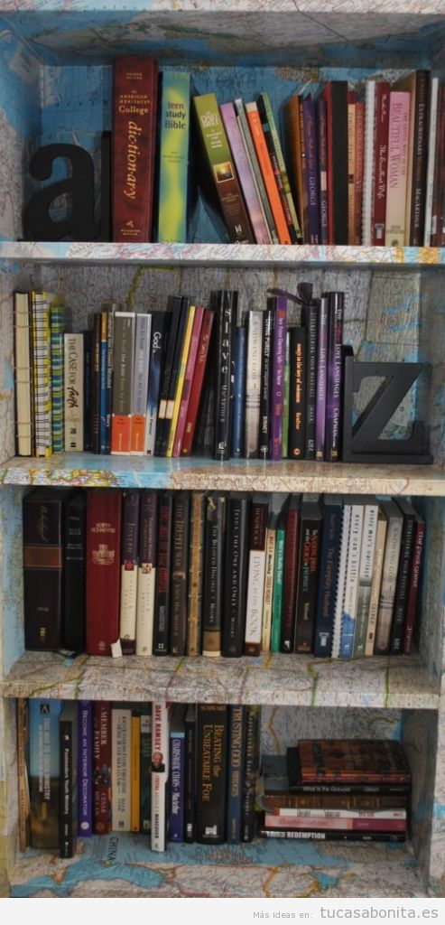 Ideas estanterías para libros con técnica découpage 4