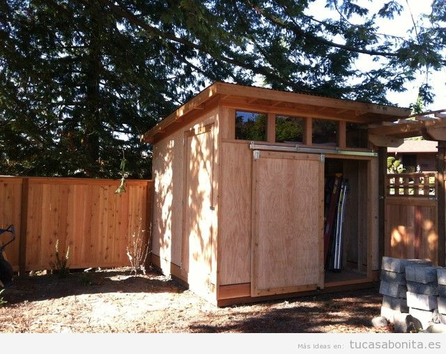 Cobertizos y casetas bonitos para patios y jardines 7