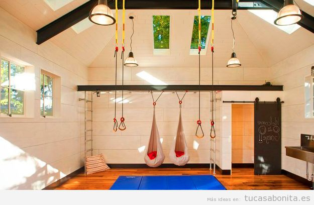 Ideas para dise ar amueblar y decorar un gimnasio o for Escaleras gimnasio