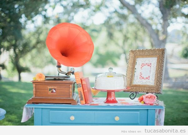 Ideas decorar casa estilo vintage con objetos antiguos, gramófono
