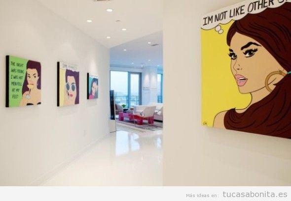 Decoración paredes casa con cómics y viñetas, pasillo
