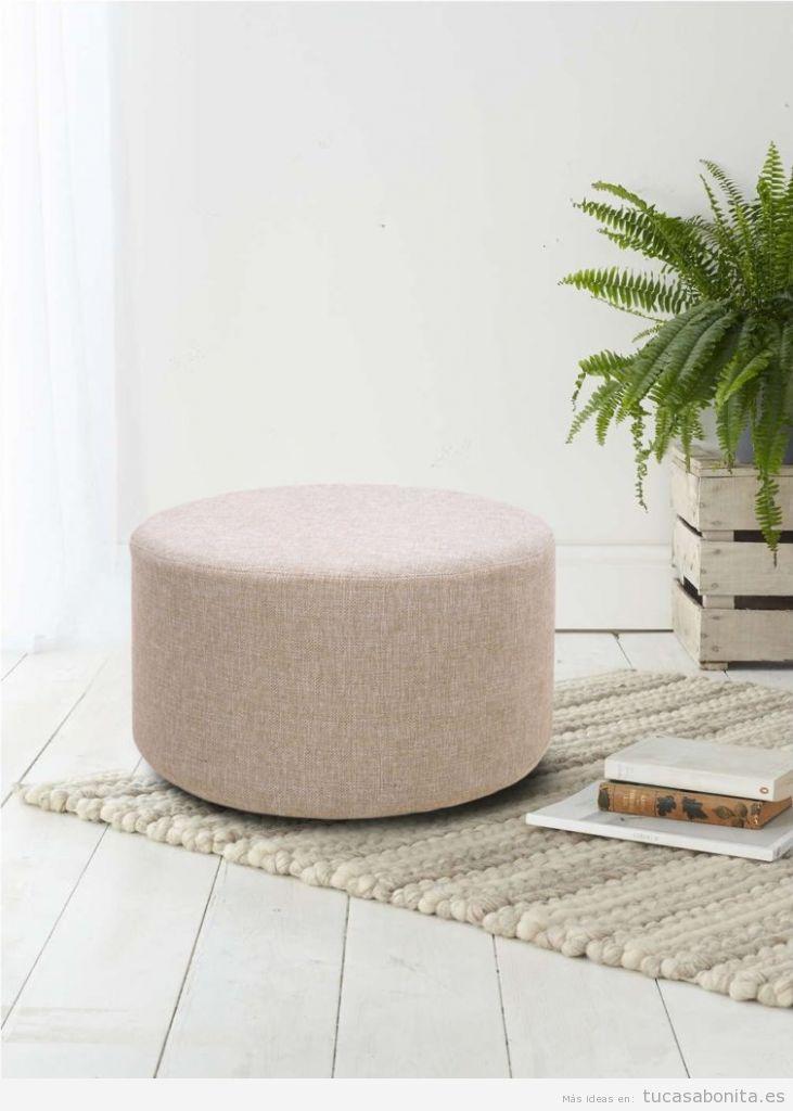 Decoración sala de estar minimalista con puf o reposapiés