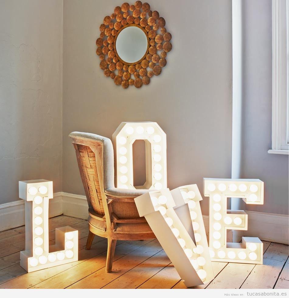 Letras con luces para decorar pared de casa 4