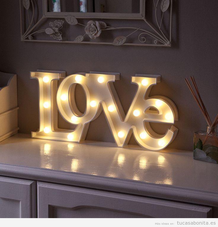 Letras con luces para decorar pared de casa