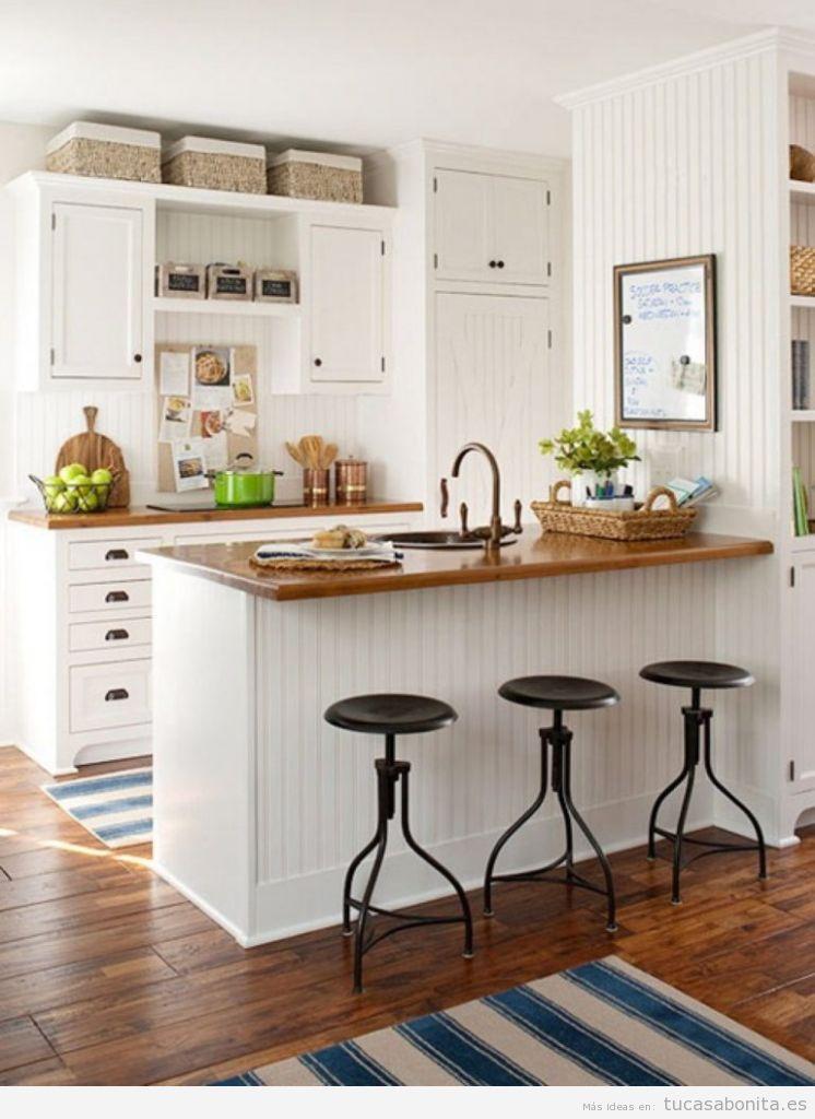 Cocinas pequeñas integradas en el salón con barra