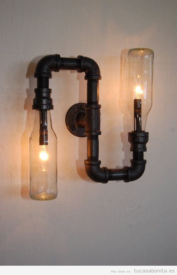 Lámpara DIY pared tubería y botellas