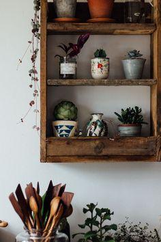 Decoración de cocina con macetas de terracota y cerámica 3