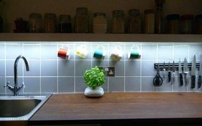 8 Ideas para decorar una cocina con tiras de LED