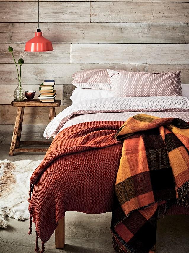 Ideas para decorar el dormitorio en otoño con mantas