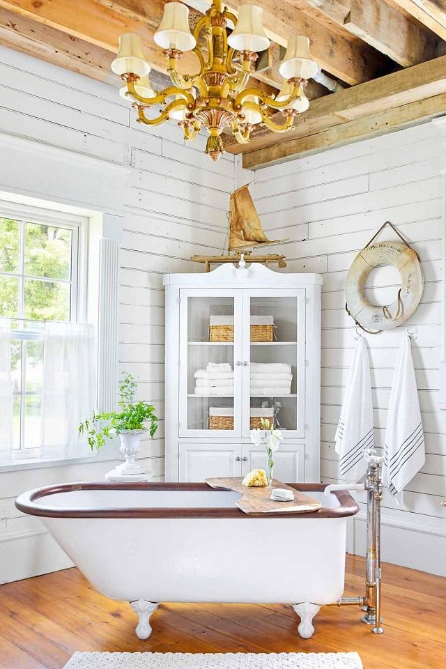 Decorar baño rústico bañera antigua con patas