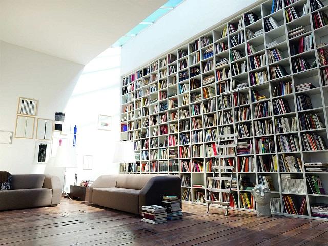 Librería grande casa