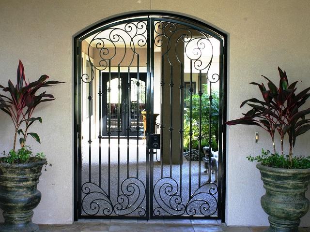 Rejas para puerta decorativas 7