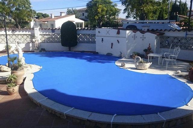 Cobertor piscina con amarres