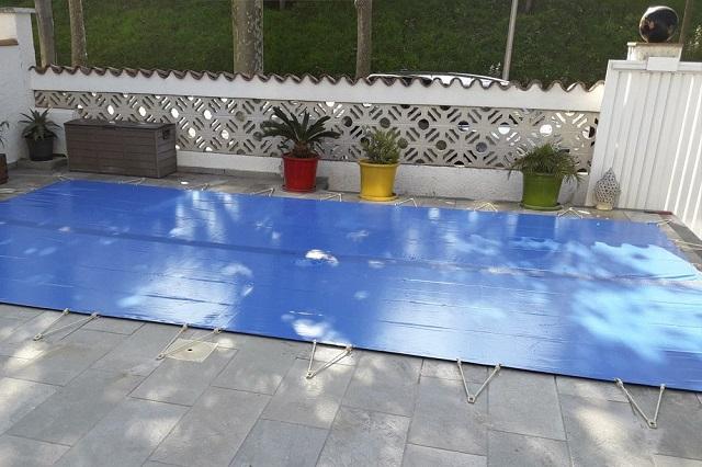 Cobertor piscina con amarres 2
