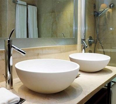 Lavabos sobre encimera, una tendencia en baños