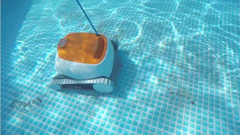 Limpiafondos piscina 2