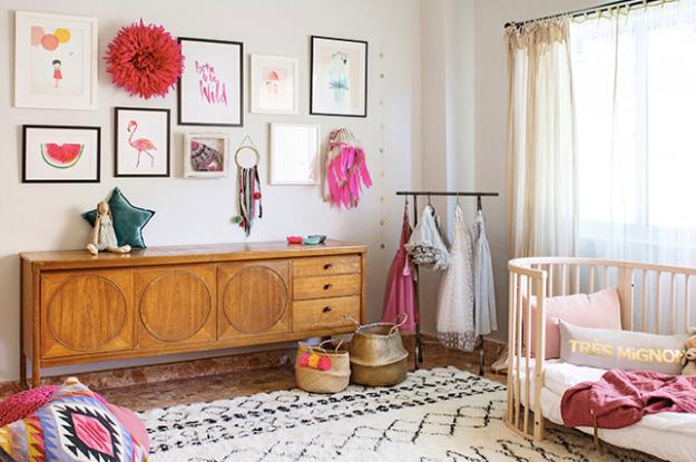 Aparador vintage en el dormitorio del bebé 2
