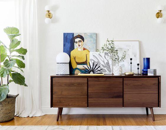 Aparador vintage en la sala de estar