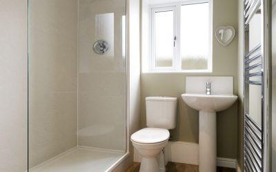 ¿Se tiene que reformar un baño solo para poner un plato de ducha?
