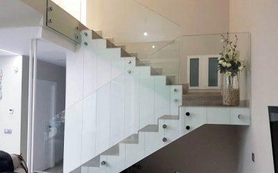 Barandillas de Cristal para las Escaleras de Casa: Seguridad y Diseño