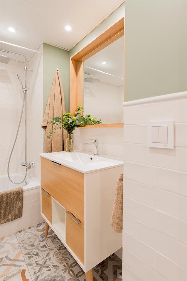 Baño moderno y romántico