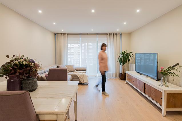 Salón moderno y romántico