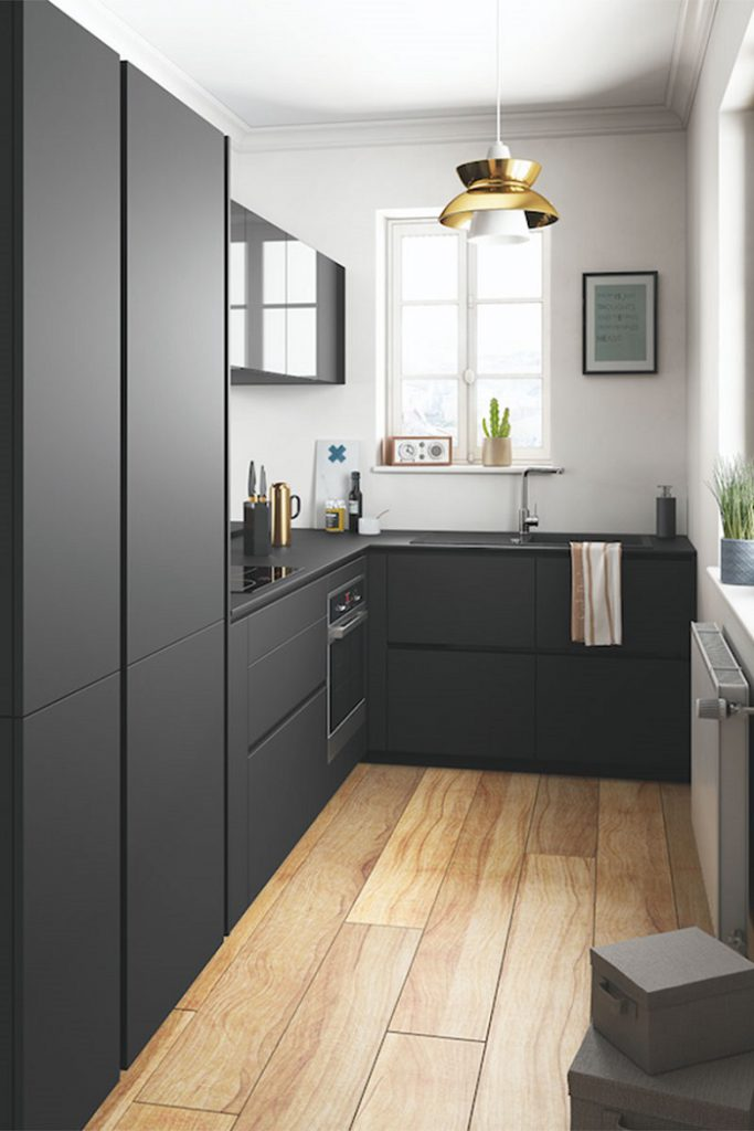 Cocina pequeña muebles negros