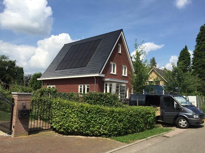 Placas solares en vivienda unifamiliar